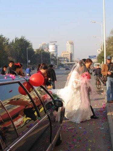 mariée et limousine